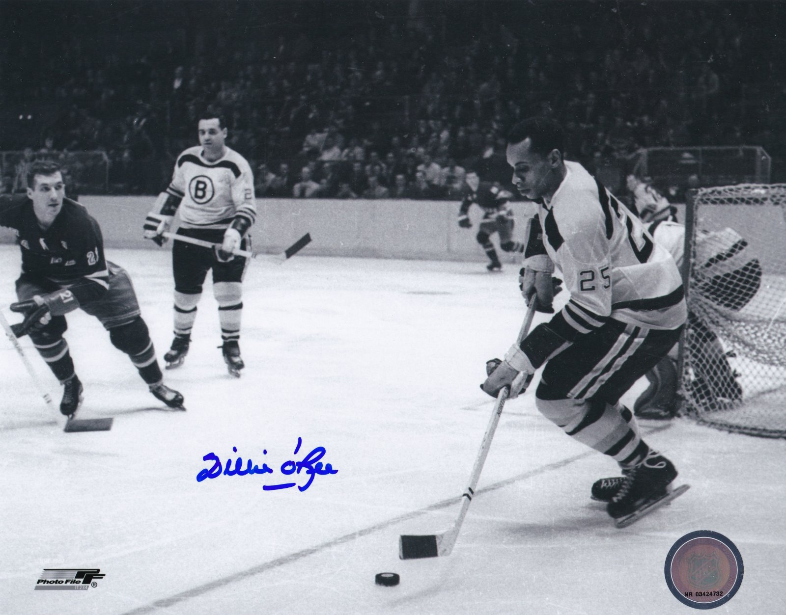 Willie O'ree Autograph 8x10 B&W photo Boston Bruins