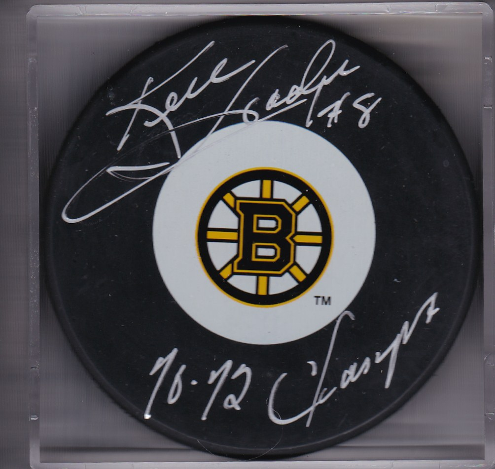 Ken Hodge Autograph Boston Bruins Logo puck Stanley Cup 1970, 1972
